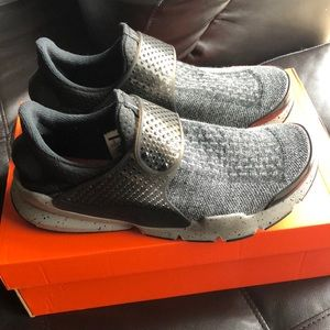 Nike Soft Dark in Gray, size 9 in men.